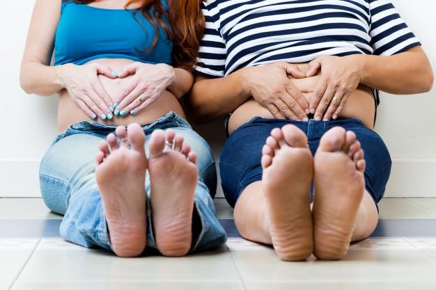 Una nueva vida, pareja embarazada - Escuela Infantil en Málaga - Con C de Cariño