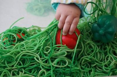 Aprendiendo texturas - Escuela Infantil en Málaga